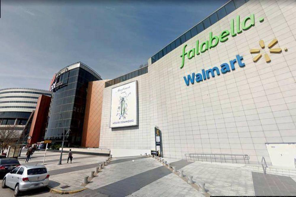 Doscientos empleados en vilo por cierre y venta de locales de Walmart