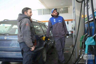 Por la fuerte devaluación, estiman que en septiembre los combustibles aumentarán entre un 5 y 8%