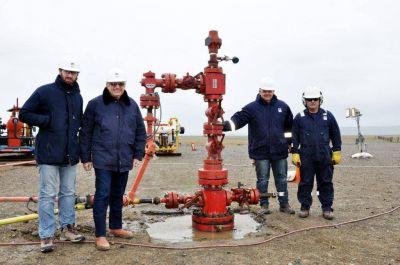 Un pozo de evaluación en Tierra del Fuego comienza a producir petróleo