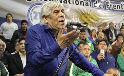 Moyano estalló contra el Gobierno y pidió la renuncia de un ministro