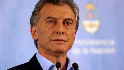 Marcos Peña y Nicolás Dujovne siguen firmes, pero Mauricio Macri eliminará varios ministerios
