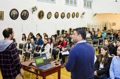 La provincia capacitó a más de 900 alumnos y docentes en gestión de residuos