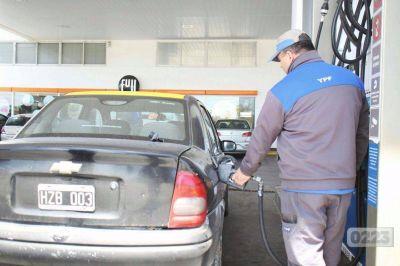Advierten sobre una caída en las ventas de combustible y cambios en los hábitos de consumo