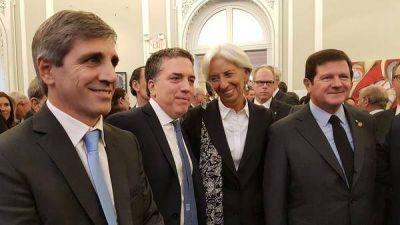 Luego de los anuncios, Dujovne, Caputo y el equipo económico llegan a Washington para reunirse con el FMI