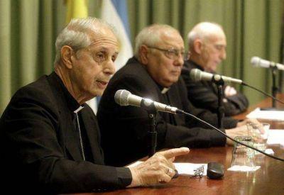"""La Iglesia llama a rezar """"tres días seguidos"""" para """"superar"""" la crisis"""