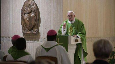 Papa Francisco: No somos animales, somos hijos de Dios bautizados