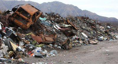 Basurales en Punilla: fuego y contaminación, a mano