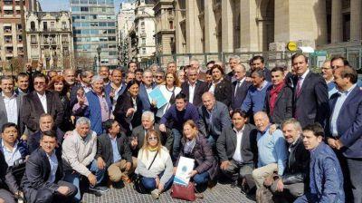 Intendentes peronistas pidieron que Mauricio Macri los reciba en Casa Rosada