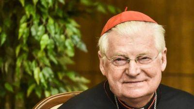 Scola: los cardenales deben acompañar y sostener al Papa