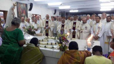 "Calcuta: La ""familia"" de la Madre Teresa celebró su fiesta"