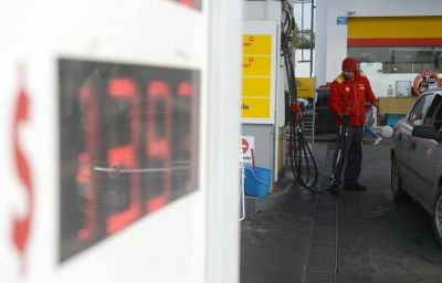 La venta de combustible cayó 30% y advierten posibles suspensiones de personal