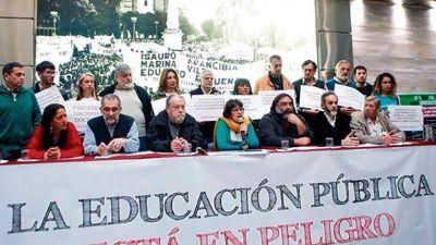 """""""Basta de ajuste al sistema educativo"""""""