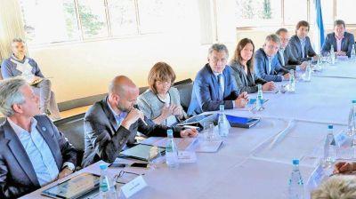 El flamante gabinete que armó Macri sale a defender la gestión en plena crisis