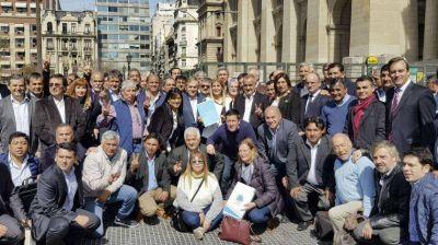 Intendentes peronistas piden que se declare la emergencia social en provincia de Buenos Aires