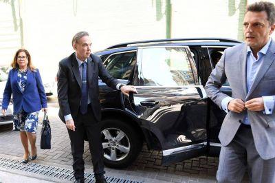 Massa juega a marcarle la cancha a Macri, pero sin obstruir