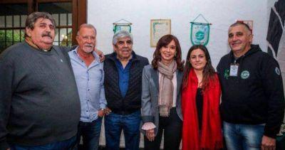 Moyano se mostró prudente, pero le hizo un guiño a una potencial candidatura de CFK