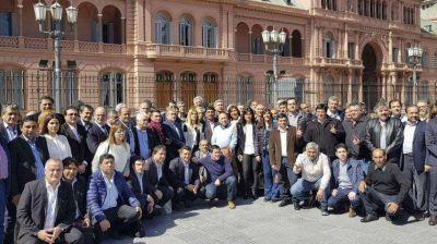 Intendentes peronistas exigieron a María Eugenia Vidal que declare la emergencia social y alimentaria