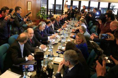 Marcha atrás de la marcha atrás: el gobierno nacional no pagará la tarifa social eléctrica
