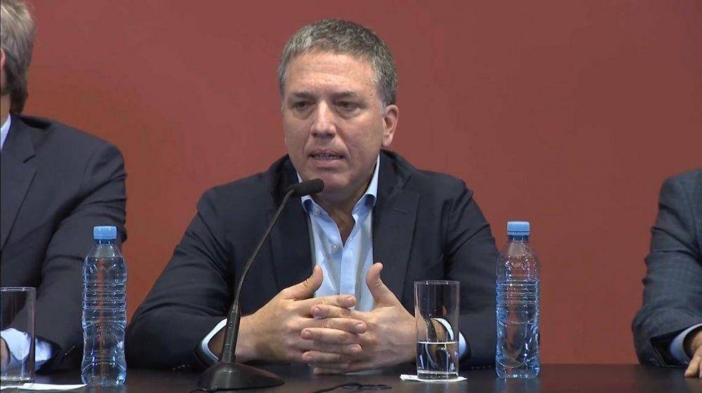 El ministro Dujovne pasó la noche internado con dolores abdominales y torácicos