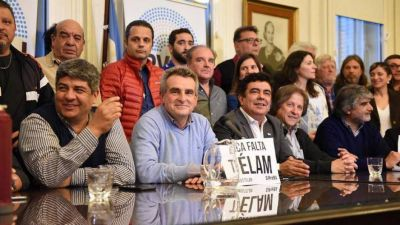 Moyano presentó un frente sindical con los K y amenaza con bloquear el presupuesto