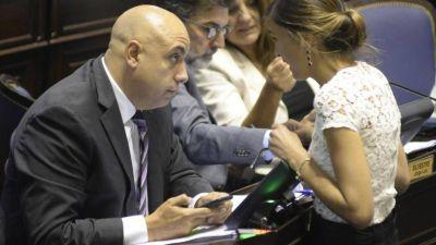 Diputados de Vidal apuestan a potenciar las murgas para contener la crisis social