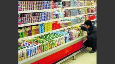 El freno en el consumo golpea más a comercios de barrio que a los híper