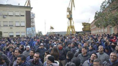 Trabajadores tomaron el Astillero Río Santiago e impidieron la salida de varios funcionarios