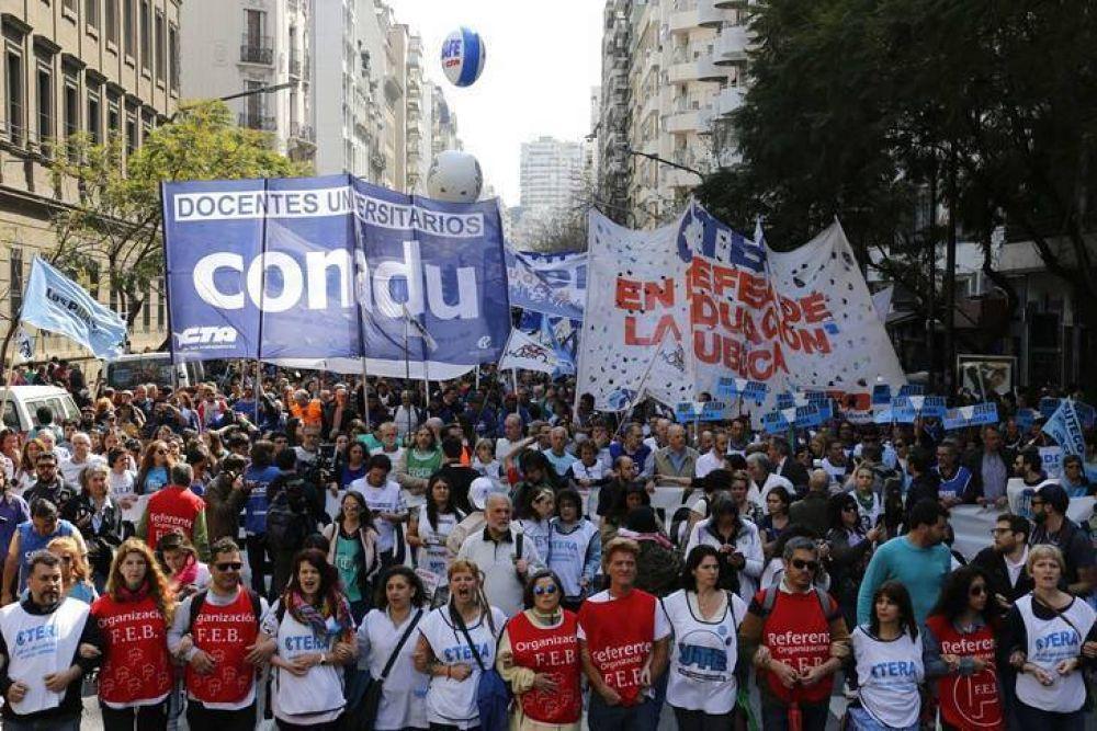 Paro nacional docente y multitudinaria marcha en defensa de la educación: