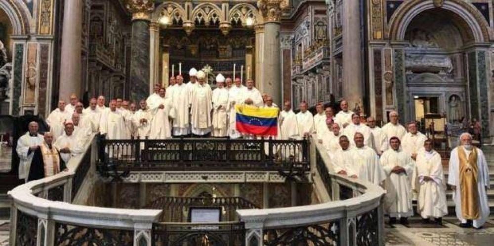 """¿Maduro """"censura"""" el mensaje del papa Francisco?"""