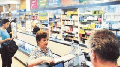 Farmacias interrumpen prestaciones a afiliados de PAMI