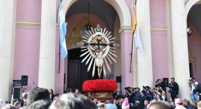 Una multitud se congregó en Salta para la fiesta del Señor y la Virgen del Milagro