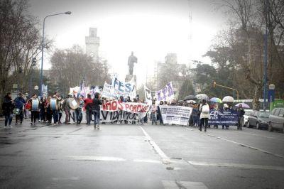 Numerosa marcha para recordar La Noche los Lápices