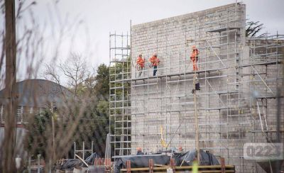La devaluación golpea a la construcción: el cemento subió un 30% y no hay nuevas obras