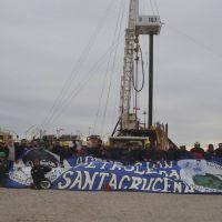 Vidal visitó nuevas perforaciones de PAE, y avanza la reinserción laboral de trabajadores petroleros