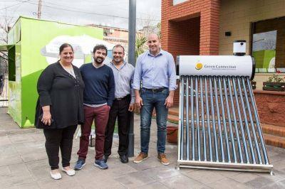 El municipio instaló un termotanque solar para concientizar sobre las energías renovables