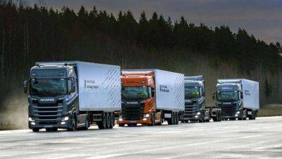 """¿Qué es el """"platooning"""", la tecnología que impulsa Scania y revolucionará el transporte de cargas?"""