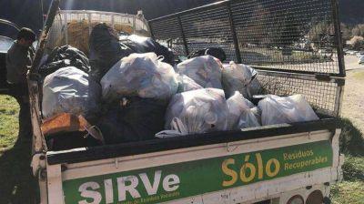 Sacaron 300 kilos de basura de la costanera del Lácar