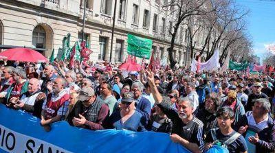 La Iglesia intervino para levantar la protesta