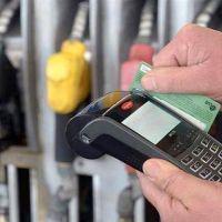 Gobierno y estacioneros, mano a mano por los precios de los combustibles y el pago con tarjetas de crédito