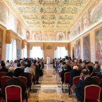 El Papa pide una mayor colaboración entre clérigos y laicos en la Iglesia
