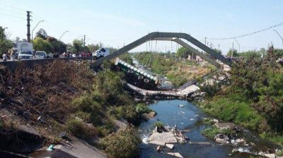Tucumán: Se desplomó un puente al paso de un camión