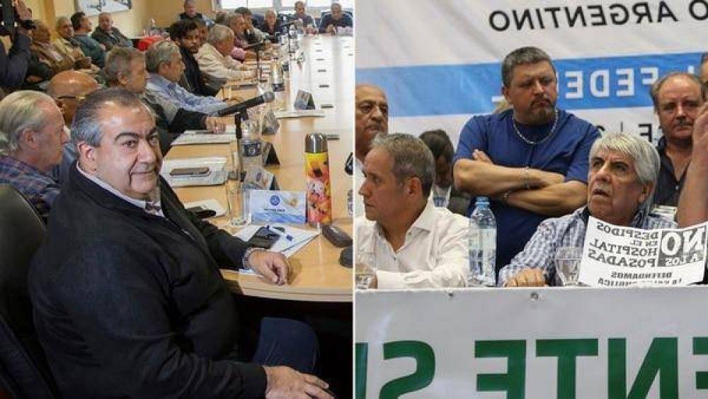 En actos simultáneos, la CGT y Moyano ratificaron el paro con críticas al Gobierno