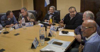 El triunvirato ratificó el paro y abrochó el regreso de la UOM a la conducción de la CGT