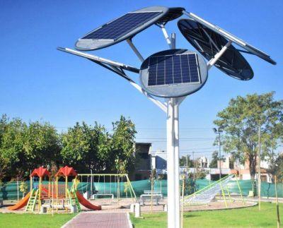 Primer parque con árboles solares e internet gratis en Godoy Cruz