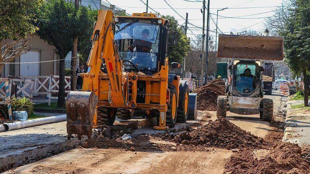 Arrancaron las obras de cloacas que beneficiarán a miles de vecinos de Morón