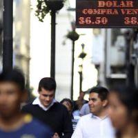 Con dólar y riesgo en baja, el Gobierno tuvo la mejor semana financiera del año