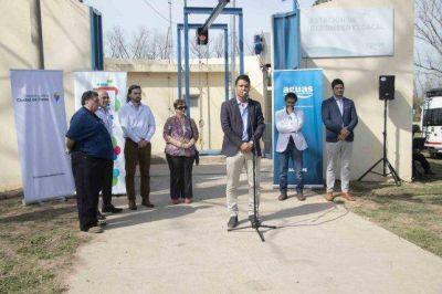 Inauguran cloacas que benefician a 700 familias