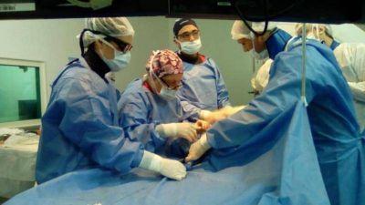El hospital San Martín de La Plata hizo el primer reemplazo de válvula aórtica sin cirugía
