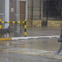Los pluviales respondieron frente a la lluvia, pero se cancelaron vuelos y la nieve complicó las rutas