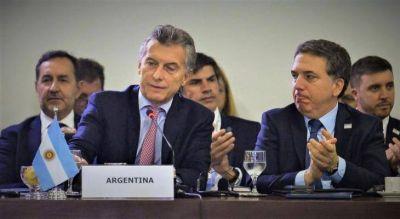 Cierran Macri y Dujovne la letra chica con el FMI y pasan la gorra en Nueva York en busca de capitales